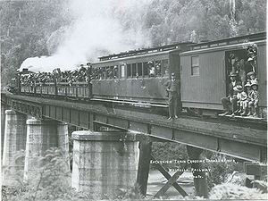 Walhalla railway line - Excursion train crossing Thomson River (Victoria) ca 1910