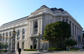 San Francisco War Memorial and Performing Arts Center - Beaux-Arts style War Memorial Veterans Building and courtyard park, seen from Van Ness Avenue.