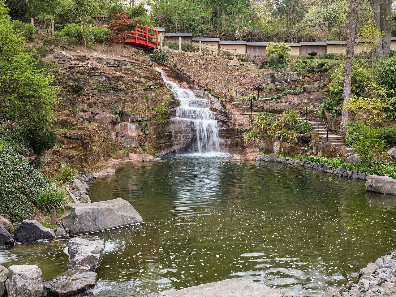 File wasserfall am unteren teich japanischer garten for Wasserfall teich