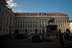 Wien - Josefplatz - View NW on Hofburg 'Redoutensaaltrakt' by Nicolo Pacassi & Franz Hillebrand - Equestrian Statue of Emperor Joseph II 1795-1807 by Franz Anton Zauner.jpg