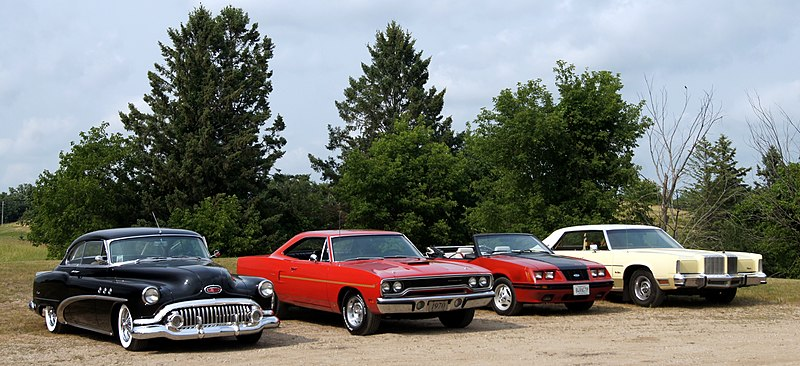 File:Willmar Car Club Picnic July 2014 (14508545629).jpg