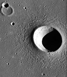 渥拉斯顿陨石坑