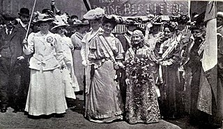 Women's Sunday, head of procession, Hyde Park, 21 June 1908.jpeg