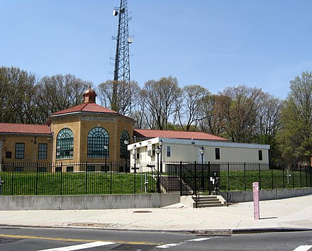 The former FDNY Queens Communications Dispatch Office in Woodhaven, Queens Woodhavnfdnyteljeh.JPG