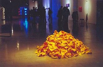 Yeşim Ağaoğlu - Image: Yeşim Ağaoğlu, Untitled,1996, paper, installation