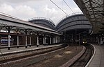 File:York railway station MMB 17 185107.jpg