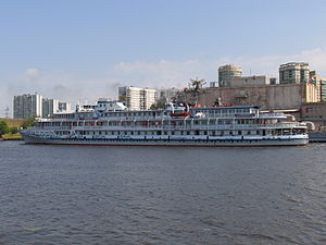 Yuriy Nikulin on Khimki Reservoir 29-jul-2012 07.JPG