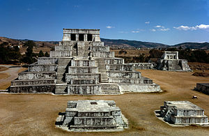 Zaculeu - Structure 1, the main pyramid, dates to the Early Classic.