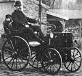 Émile Levassor au guidon de son véhicule P&L(1892).jpg