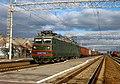 ВЛ82М-031, Украина, Полтавская область, станция Новые Санжары (Trainpix 210259).jpg