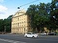 Николаевский военный госпиталь. Главный корпус и сад перед западным фасадом.jpg