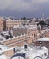 חומות העיר העתיקה - שער שכם בשלג 2013, מבט מגגות הרובע הנוצרי.jpg