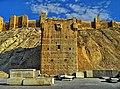 الواجهة الشرقية لقلعة حلب.jpg