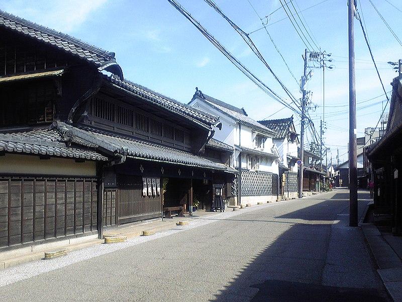 File:有松の町並み(愛知県指定文化財「服部邸」前).jpg