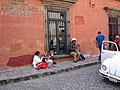 인형 파는 여인 at San Miguel De Allende - panoramio.jpg