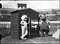 04-29-1949 06115 Ganzenbordspel (6996014790).jpg