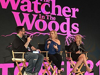 Melissa Joan Hart - Hart (center) with her mother (right) and moderator Damian Holbrook (left) promoting The Watcher in the Woods at the 2017 New York Comic Con