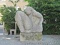 1160 Thaliastraße 125A Hettenkofergasse - Skulptur Aufbrechende von Ulrike Truger IMG 7171.jpg