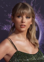 Taylor Swift 191125 Taylor Swift at the 2019 American Music Awards (cropped).png
