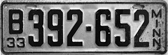 Vehicle registration plates of Minnesota - Image: 1933 Minnesota license plate