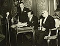 1961. Enero, 23. Rafael Caldera y Raúl Leoni en la firma de la nueva Constitución Nacional.jpg