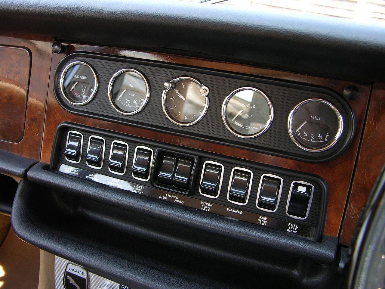 file 1970 jaguar xj6 4 2 series 1 flickr the car spy 16 jpg wikimedia commons. Black Bedroom Furniture Sets. Home Design Ideas