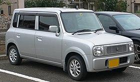 2002 Suzuki Alto-Lapin 01.jpg