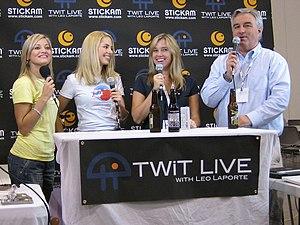 Justine Ezarik at New Media Expo 2008 with Sar...