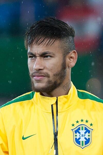 ¿Cuánto mide Neymar? - Altura y peso - Real height 400px-20141118_AUTBRA_5089