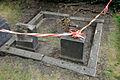 2015-08-11 Gartenfriedhof Hannover, Höherlegung Einfriedung Wendebornsches Erbbegräbnis (Wendeborn) (1).JPG
