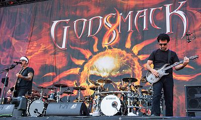 Nu metal band Godsmack has been compared to the grunge/heavy metal band Alice in Chains. 2015 RiP Godsmack by 2eight - DSC4659.jpg