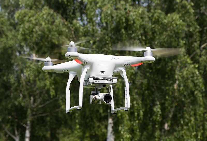 File:2016-06-05-Lokal K Drohne Probeflug-5187.jpg
