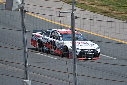 Edwards racing at New Hampshire Motor Speedway in 2015 5 Hour Energy Carl Edwards (19898151551).jpg