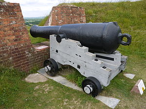 68-pounder gun - A 68-pounder on a replica carriage