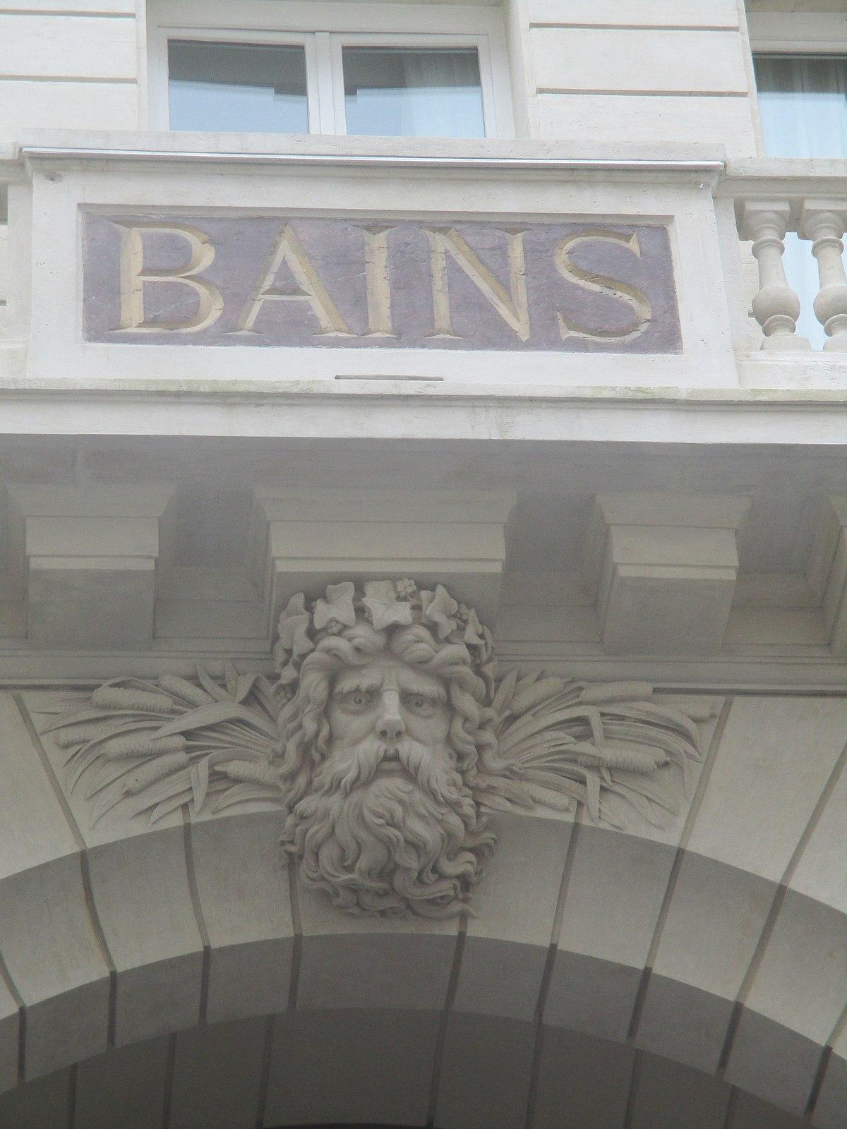 Les bains douches for Les bains guerbois