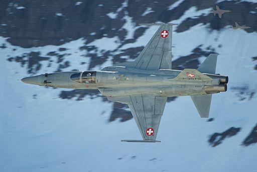 A Swiss F5 Tiger is approcahing the target (6240070469)