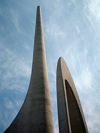 Obeliske van die Afrikaanse Taalmonument, naby Paarl, Suid-Afrika.