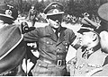 Albert Speer i Sepp Dietrich podczas inspekcji nad Atlantykiem (2-323).jpg