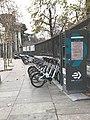 Am Madrider Park E-Bike-Ladestation 2018.jpg