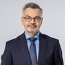 https://upload.wikimedia.org/wikipedia/commons/thumb/b/b5/Amb._Krzysztof_Krajewski.jpg/220px-Amb._Krzysztof_Krajewski.jpg