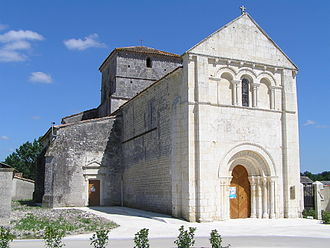 Ambleville, Charente - Facade of the Church