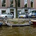 Amsterdam canal. Wolf - panoramio.jpg