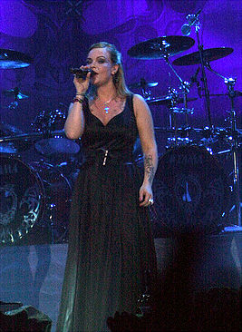 Anette at Hartwall Areena 2009.jpg