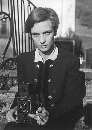 Rolleiflex - Swiss writer and photographer Annemarie Schwarzenbach using the Rolleiflex Standard 621 for a self-portrait (1930s).
