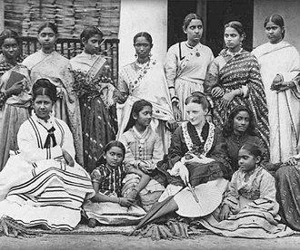 Annette Beveridge -  Annette Akroyd with the students of Hindu Mahila Vidyalaya, 1875.