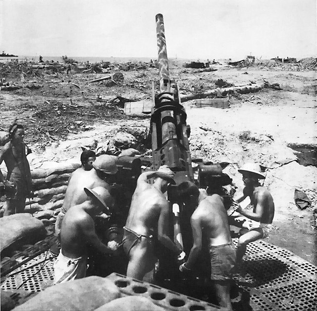 Antiaircraft gunners at Cape Torokina