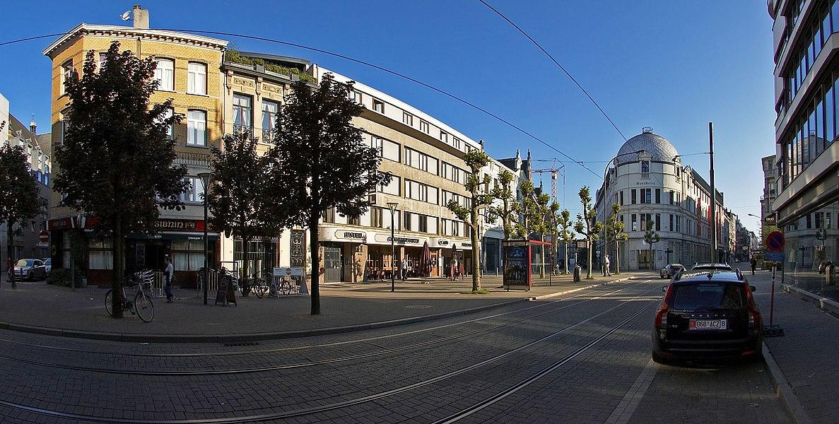 Nationalestraat bij hotel Cammerpoorte in Antwerpen, België
