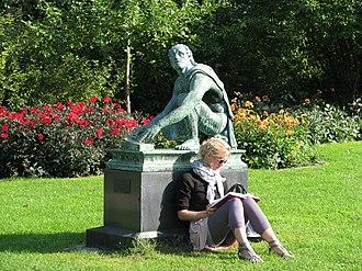 Ørstedsparken - Arrotino statue