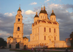 Astrakhan Uspenski Cathedral at sunset.jpg