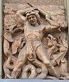 Avenue de Versailles 16 bas relief.jpg